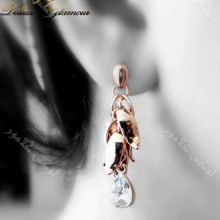 گوشواره آویزی رزگلد طرح خوشه ای کلیو با کریستال سواروفسکی Er-n130 عکس روی گوش