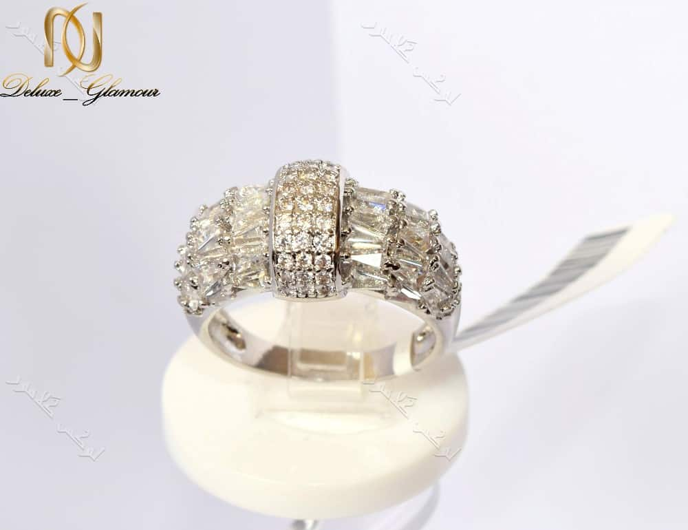 انگشتر جواهری زنانه کلیو با کریستالهای سواروفسکی اصل Rg-n163 عکس از تاج انگشتر