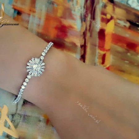 دستبند دخترانه نقره ای طرح قاصدک کلیو با کریستالهای سواروسکی Ds-n193 عکس روی دست