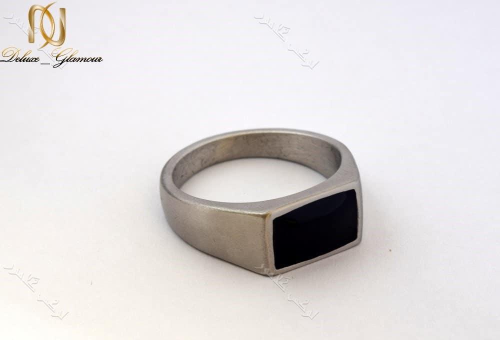 انگشتر مردانه استیل نقره ای ویتالی با تاج مستطیلی مشکی Rg-n153 عکس از بغل