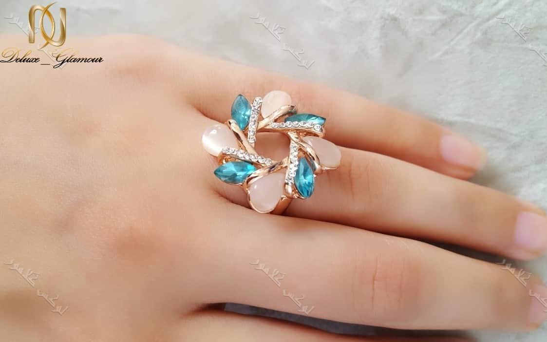 انگشتر دخترانه طرح گل کلیو با سنگ اوپاال و کریستال سواروفسکی Rg-n164