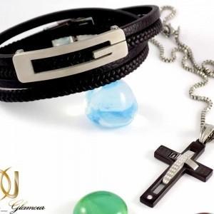 ست دستبند چرم و گردنبند استیل طرح صلیب مردانه A-B101 از نمای روبرو