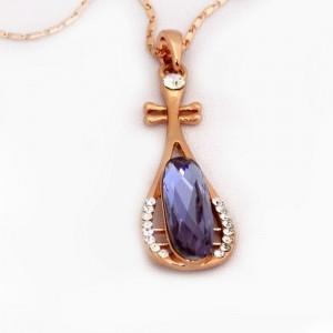 گردنبند دخترانه جواهری رزگلد کلیو با نگین بنفش سوراوسکی اصل nw-n157 از نمای کنار