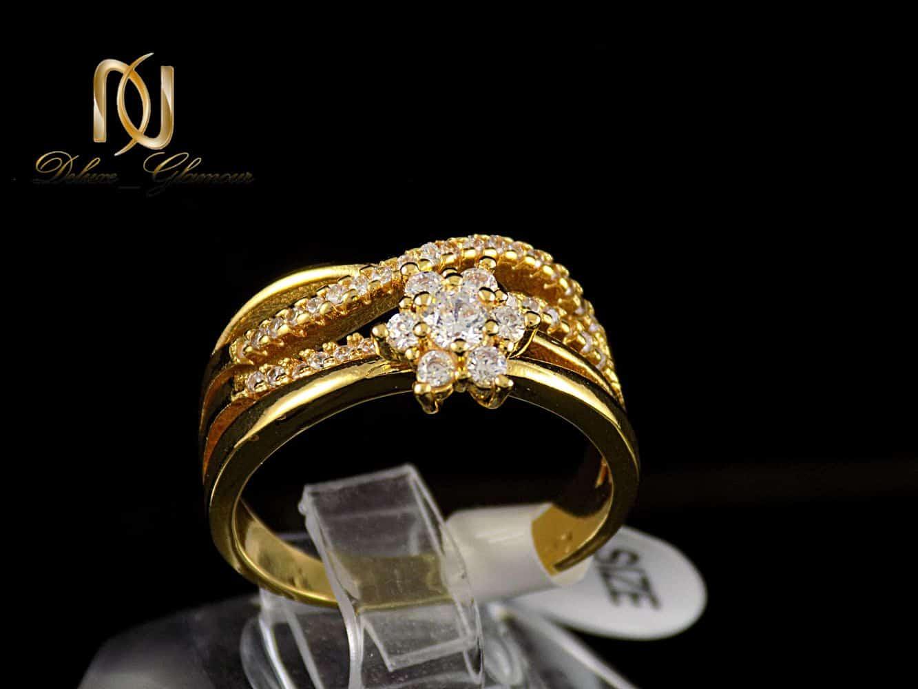 انگشتر زنانه استیل طرح تک نگین با روکش آب طلای 18 عیار RG-N174 از نمای مشکی