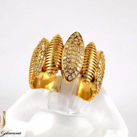 انگشتر زنانه استیل طرح طلا با نگین های سفید از نوع زیرکونیا rg-n175 از نمای روبرو