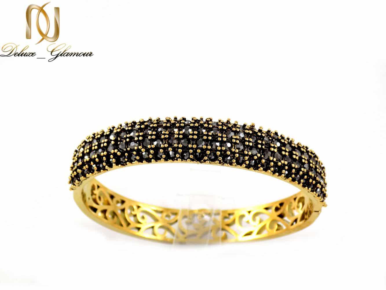دستبند زنانه طرح طلای استیل نگین مارکازیت با قطر 57 میلی متری DS-N165 از نمای زمینه سفید