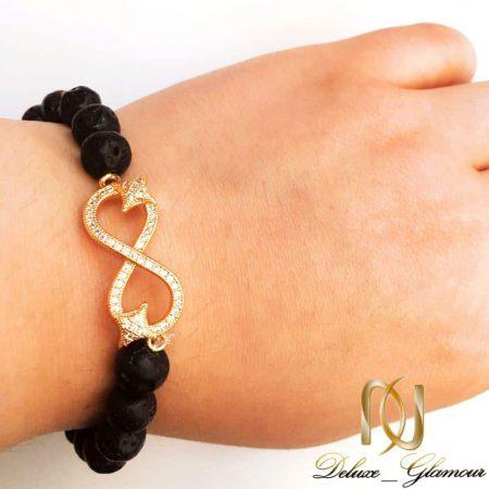دستبند ست دخترانه و پسرانه سنگ لاوا طرح بی نهایت ds-n159 از نمای روی دست