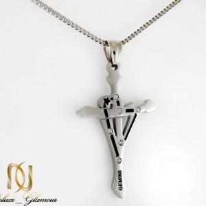 گردنبند مردانه استیل طرح صلیب با زنجیر 22 سانتی آجری NW-N186 از نمای روبرو