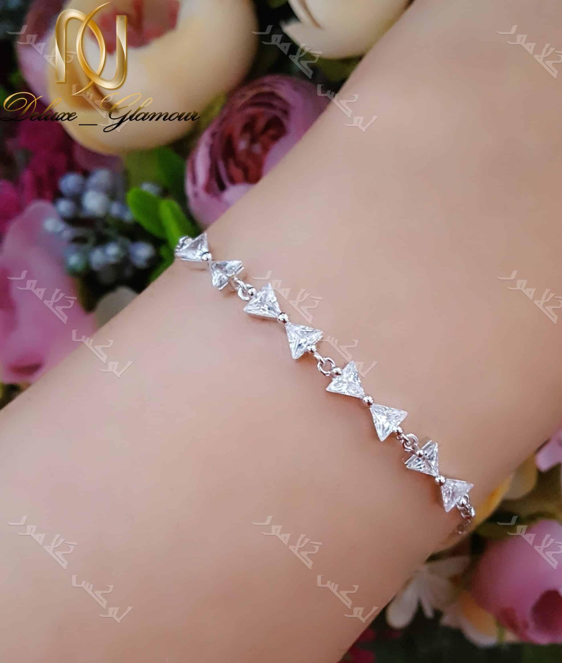 دستبند جواهری دخترانه طرح پاپیون با کریستالهای سواروفسکی - روی دست