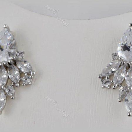 گوشواره ظریف جواهری کلیو با کریستالهای سواروفسکی اصل - زمینه سفید
