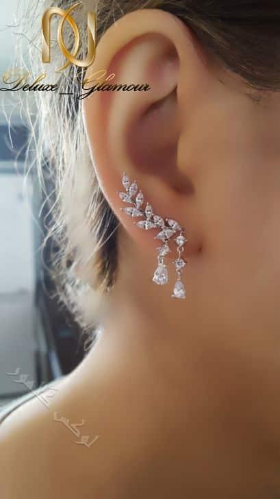 گوشواره لاله گوشی طرح خوشه کلیو با کریستالهای سواروفسکی- عکس روی گوش