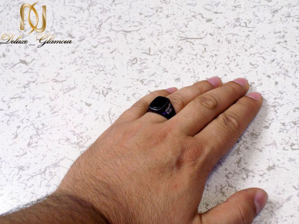 انگشتر مردانه استیل مشکی طرح مونت بلانک با نگین برجسته RG-N178 از نمای دور