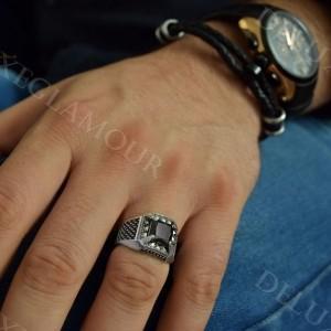 انگشتر مردانه نقره با عقیق مشکی و مارکازیت Rg-n218 - روی دست