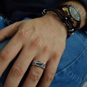 انگشتر مردانه نقره ظریف با عقیق مشکی Rg-n215 - روی دست