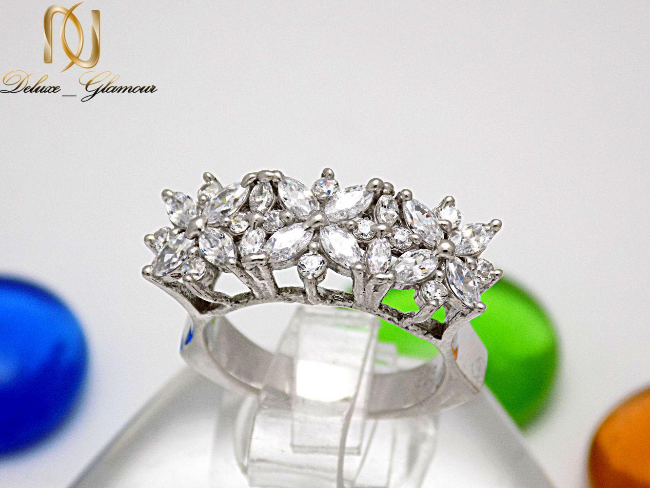 انگشتر نقره دخترانه طرح سه گل با نگین های برلیان rg-n224