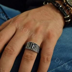 انگشتر نقره مردانه با عقیق مشکی و مارکازیت Rg-n209 - روی دست