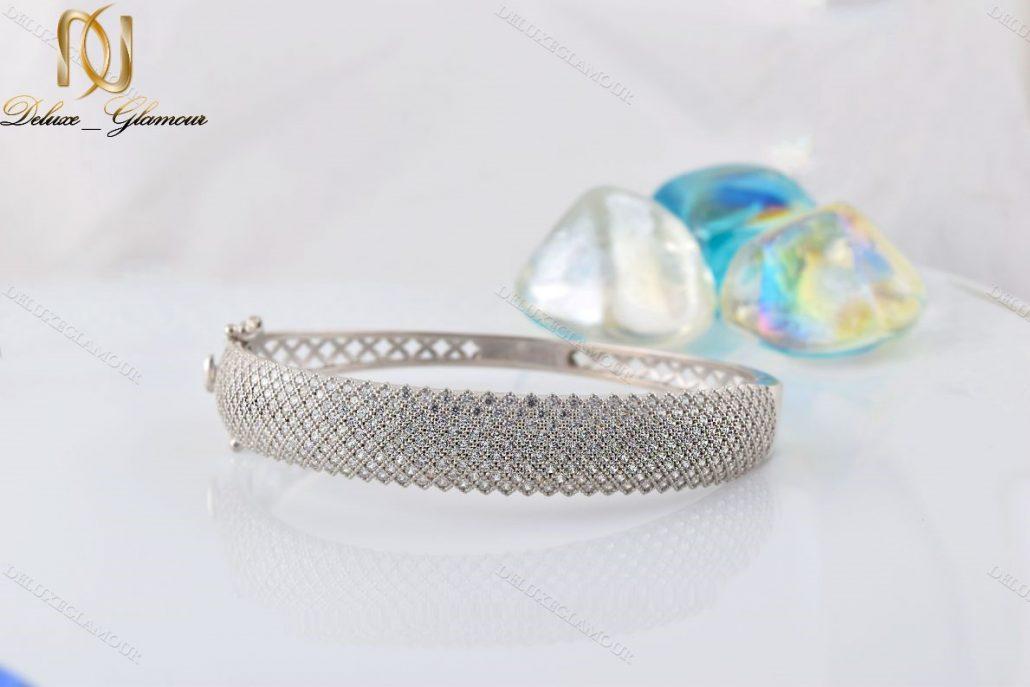 دستبند النگویی جواهری نقره Ds-n221 - زمینه سفید