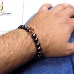 دستبند مردانه اسپرت طرح کینگ با مهره های فلزی ds-n218 از نمای روی دست