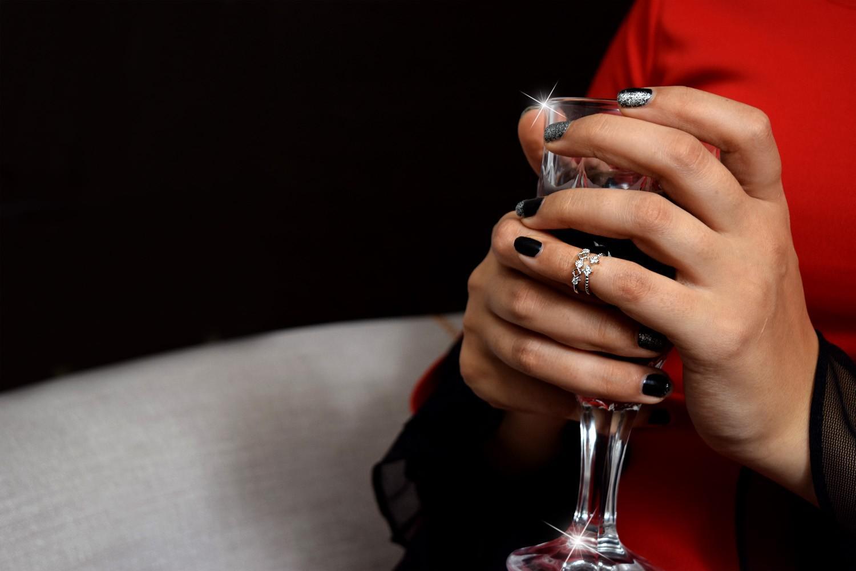 نیم بند و بند انگشتی دخترانه کلیو با نگین های سواروسکی rg-n241 از نمای روی دست