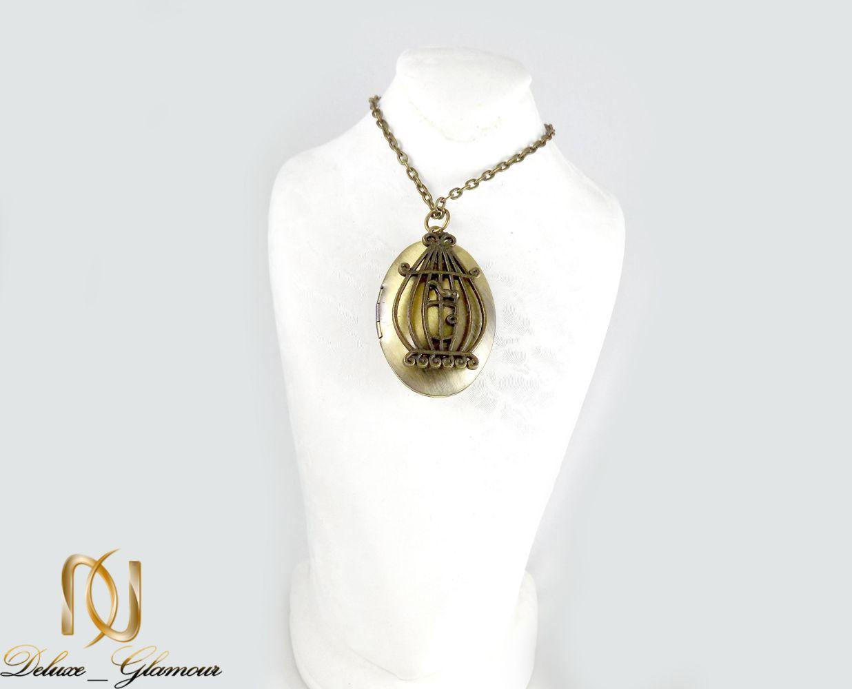 گردنبند رومانتویی سنتی طرح قاب عکس با رویه مرغ آمین nw-n242 از نمای روی استند