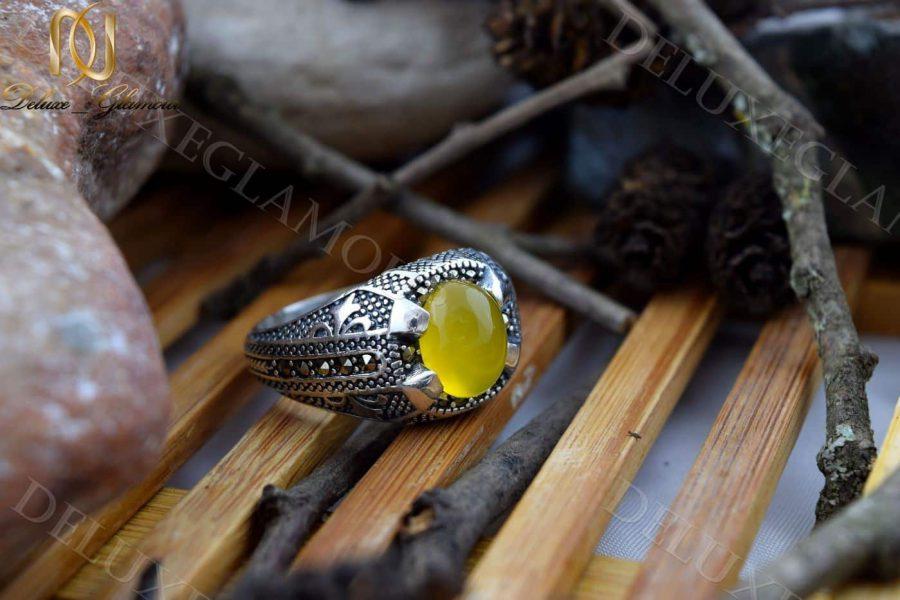 انگشتر مردانه نقره با سنگ عقیق زرد Rg-n202- روی چوب
