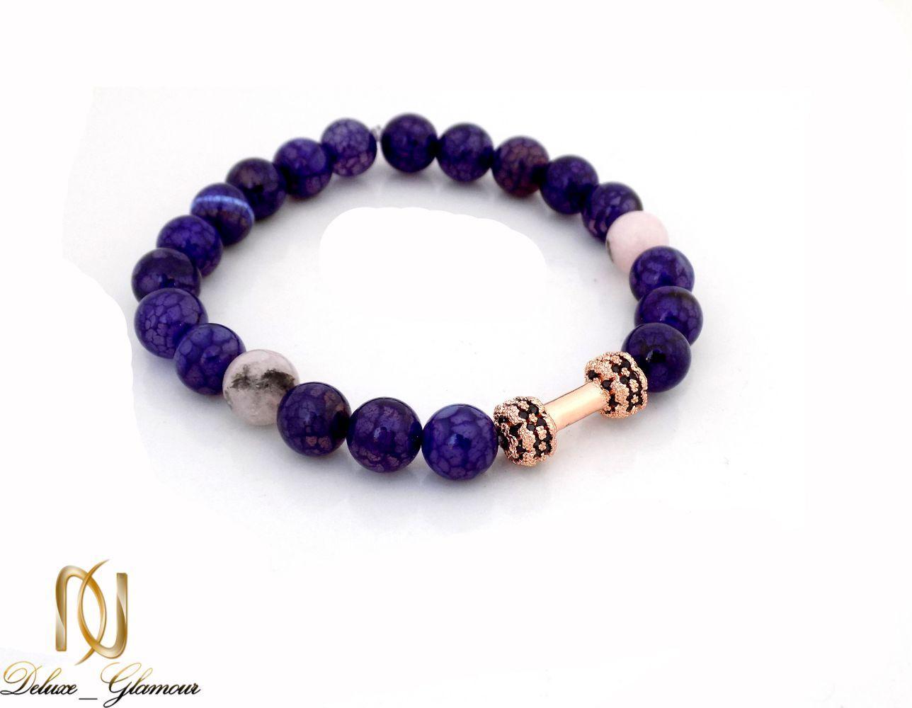 دستبند دخترانه سنگ لاجورد با مهره استیل رزگلد ds-n248 از نمای دور