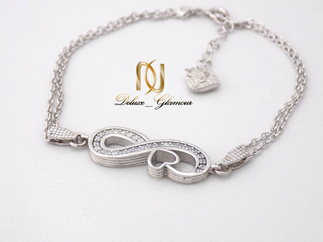 دستبند دخترانه نقره طرح بی نهایت و قلب با نگین برلیان ds-n240 از نمای نزدیک