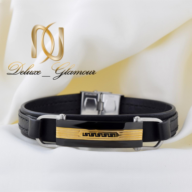 دستبند مردانه چرمی تک لاینه طرح ورساچه با قفل جعبه ای ds-n259 از نمای سفید