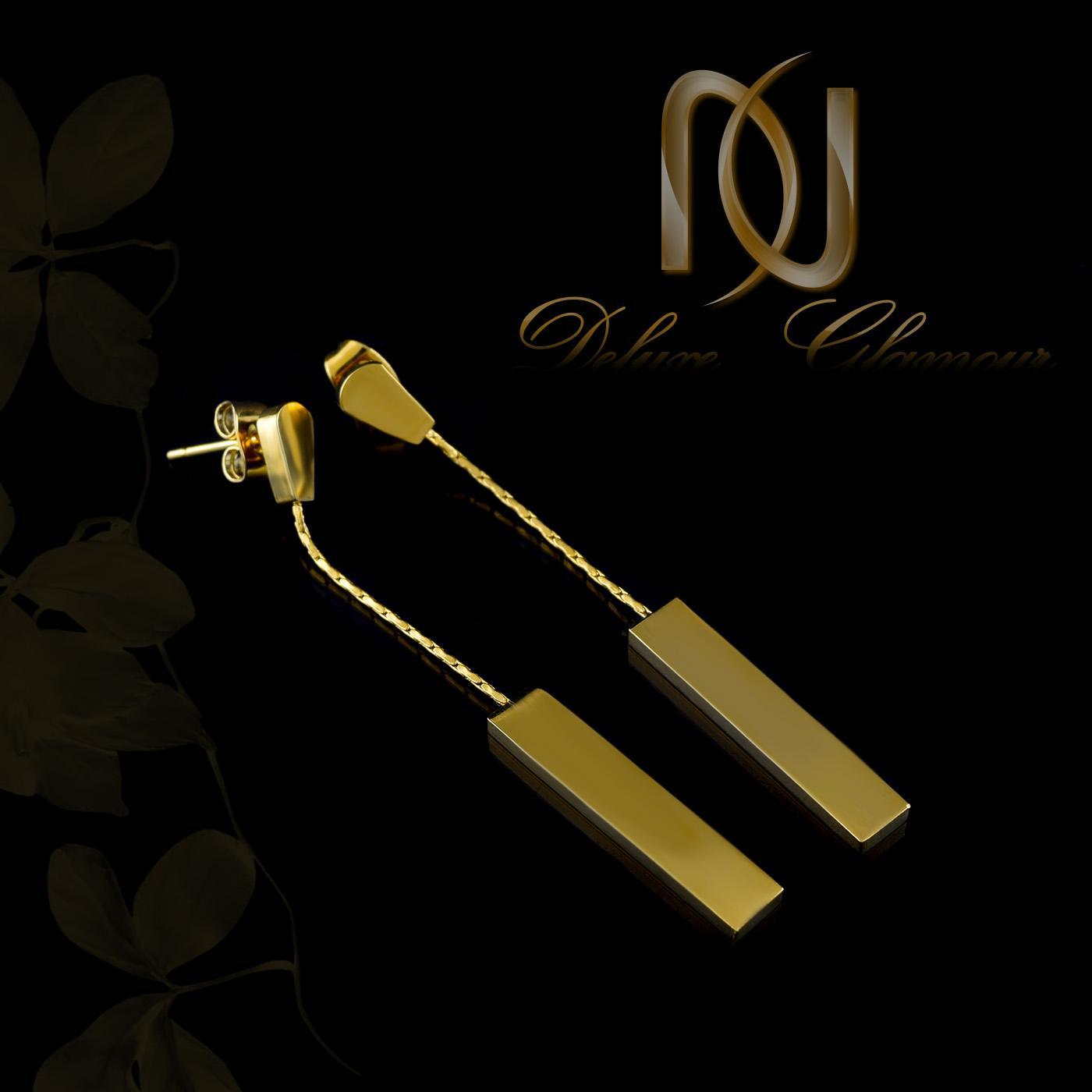 گوشواره آویزی طلایی بلند با قفل میخی er-n155 از نمای مشکی