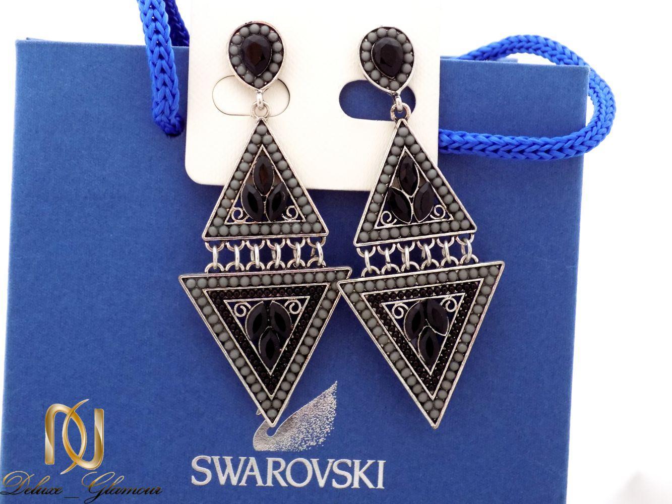 گوشواره زنانه مشکی طرح سنتی با نگین زیرکونیا و لاکی er-n151 از نمای آبی