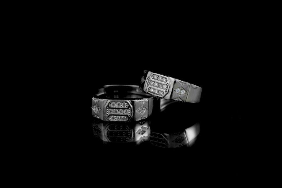 ست حلقه نقره عیار 925 تایلندی با نگین برلیان rg-n276 از نمای مشکی