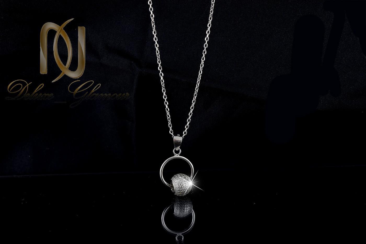 گردنبند دخترانه نقره با طرح حلقه و توپ nw-n266 از نمای مشکی