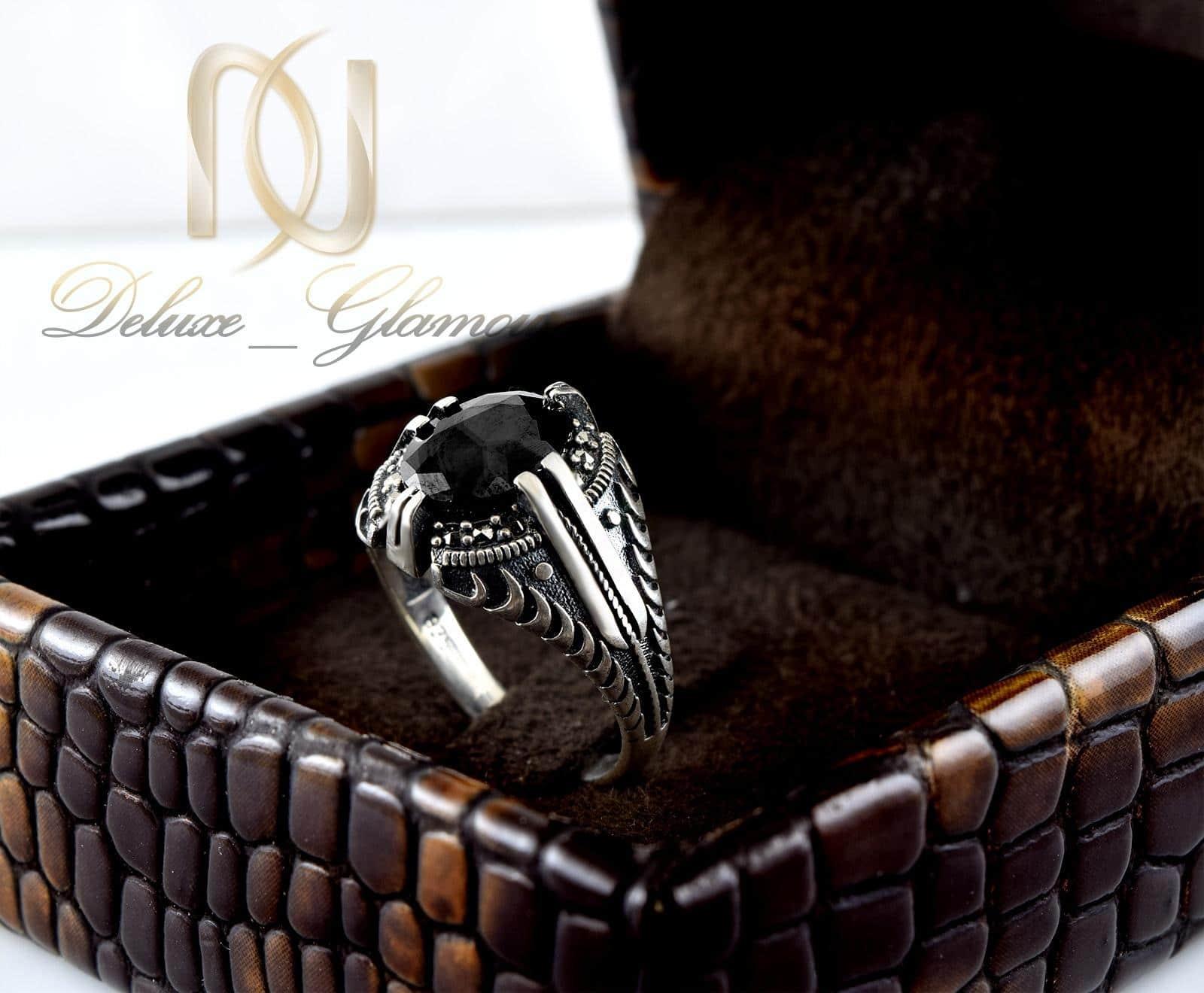 انگشتر نقره مردانه با نگين عقيق مشكي rg-n315 از نماي روبرو