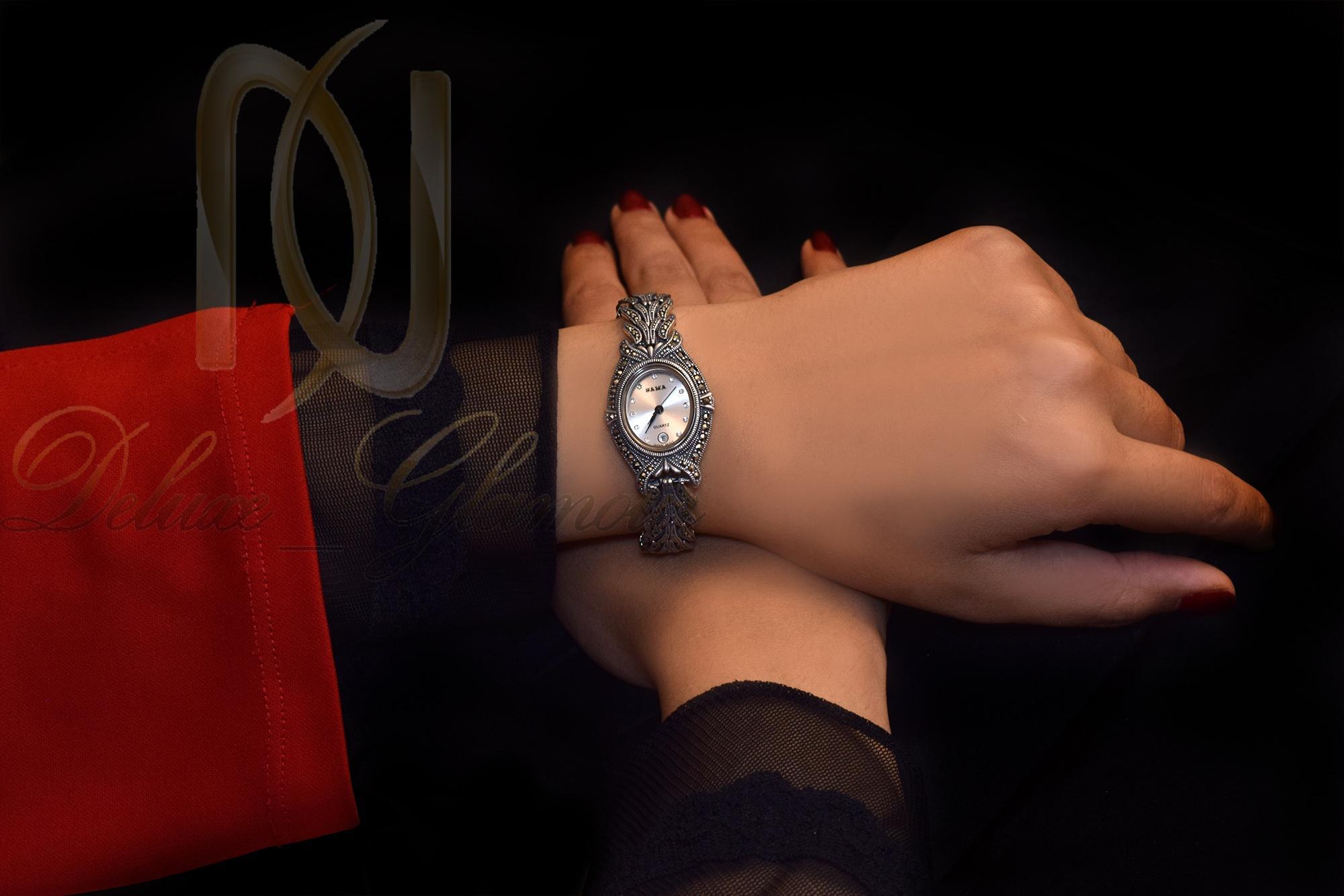 ساعت نقره زنانه با نگین های مارکازیت wh-n103 از نمای روی دست