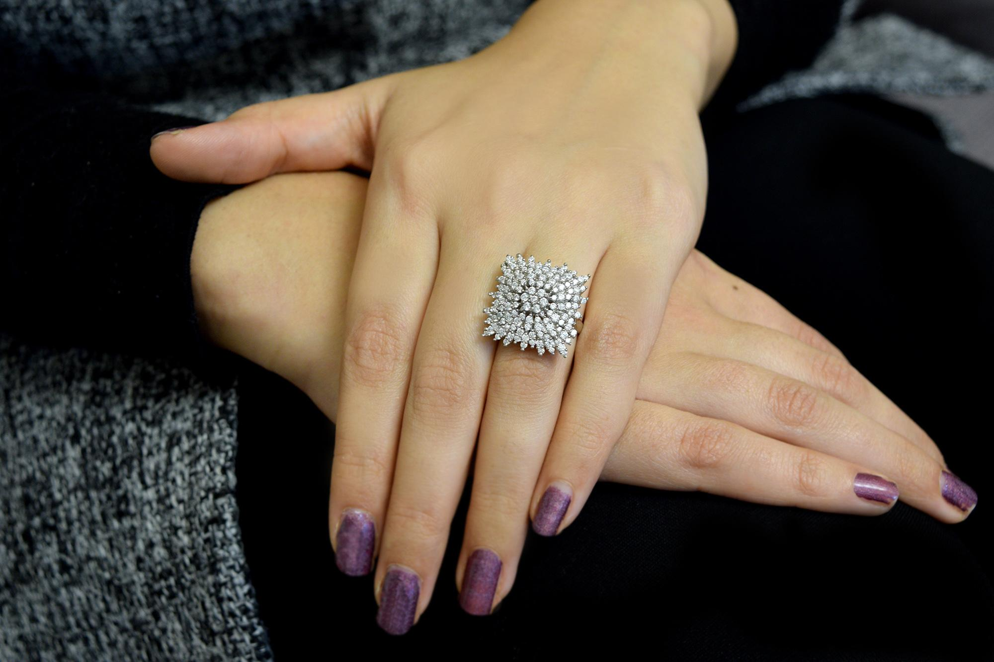 انگشتر نقره زنانه نگین دار مربعی rg-n337
