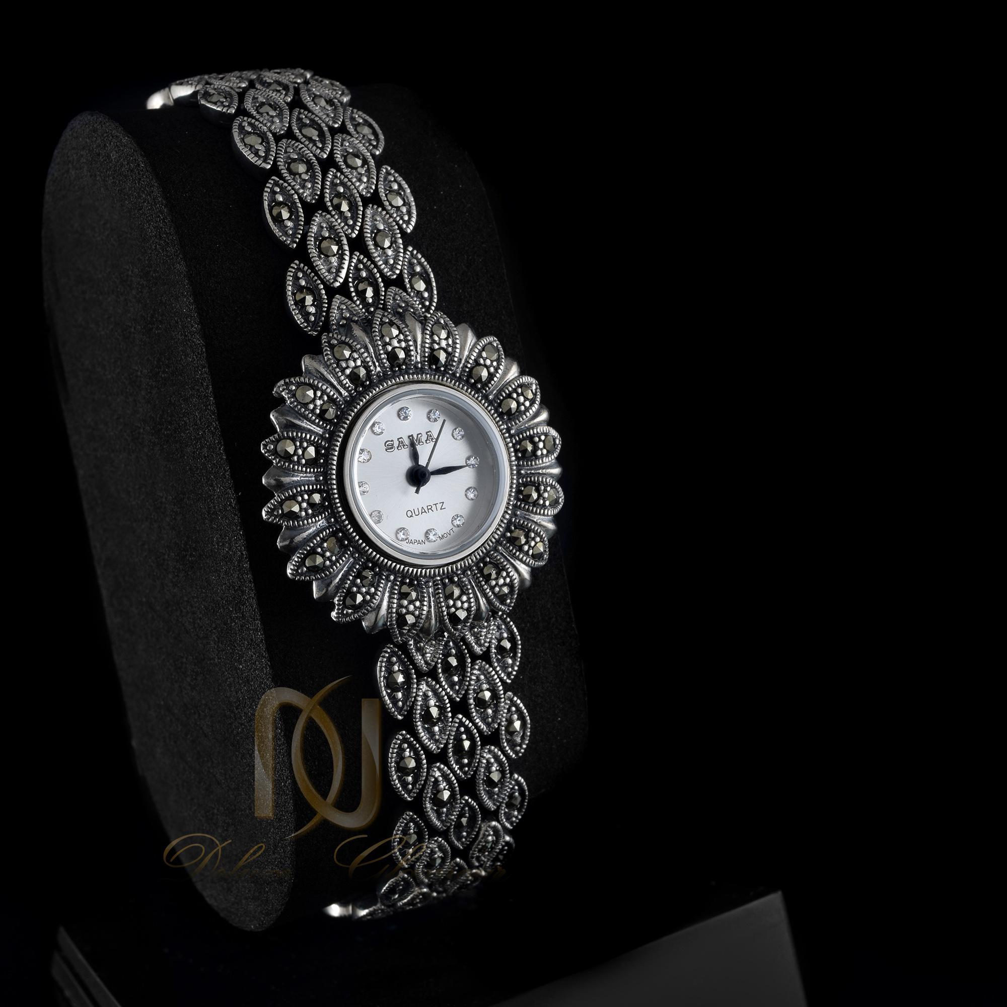 ساعت نقره زنانه طرح مارکازیت wh-n116 از نمای مشکی