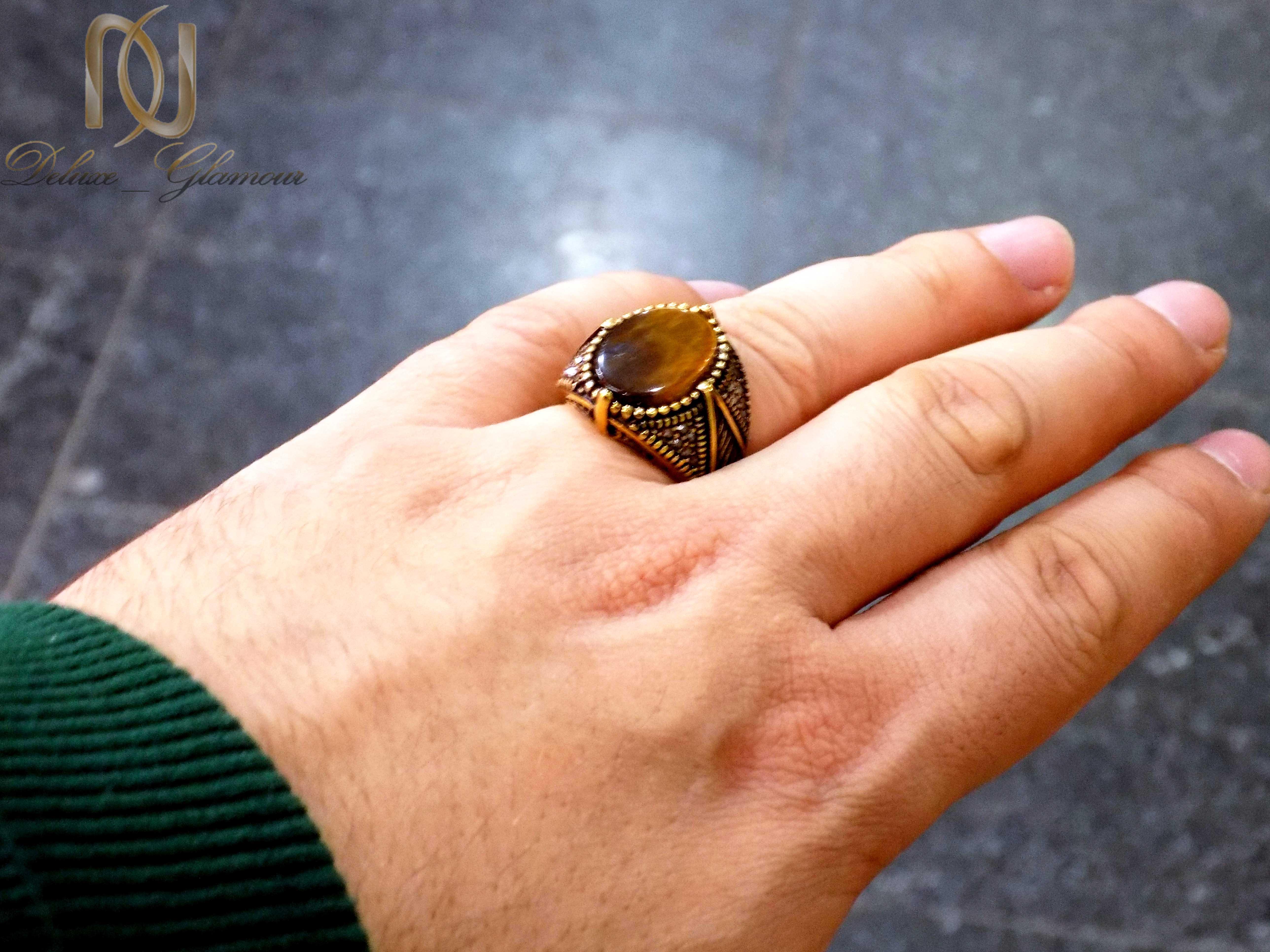 انگشتر مردانه استیل نگین چشم ببر rg-n273 از نمای روی دست