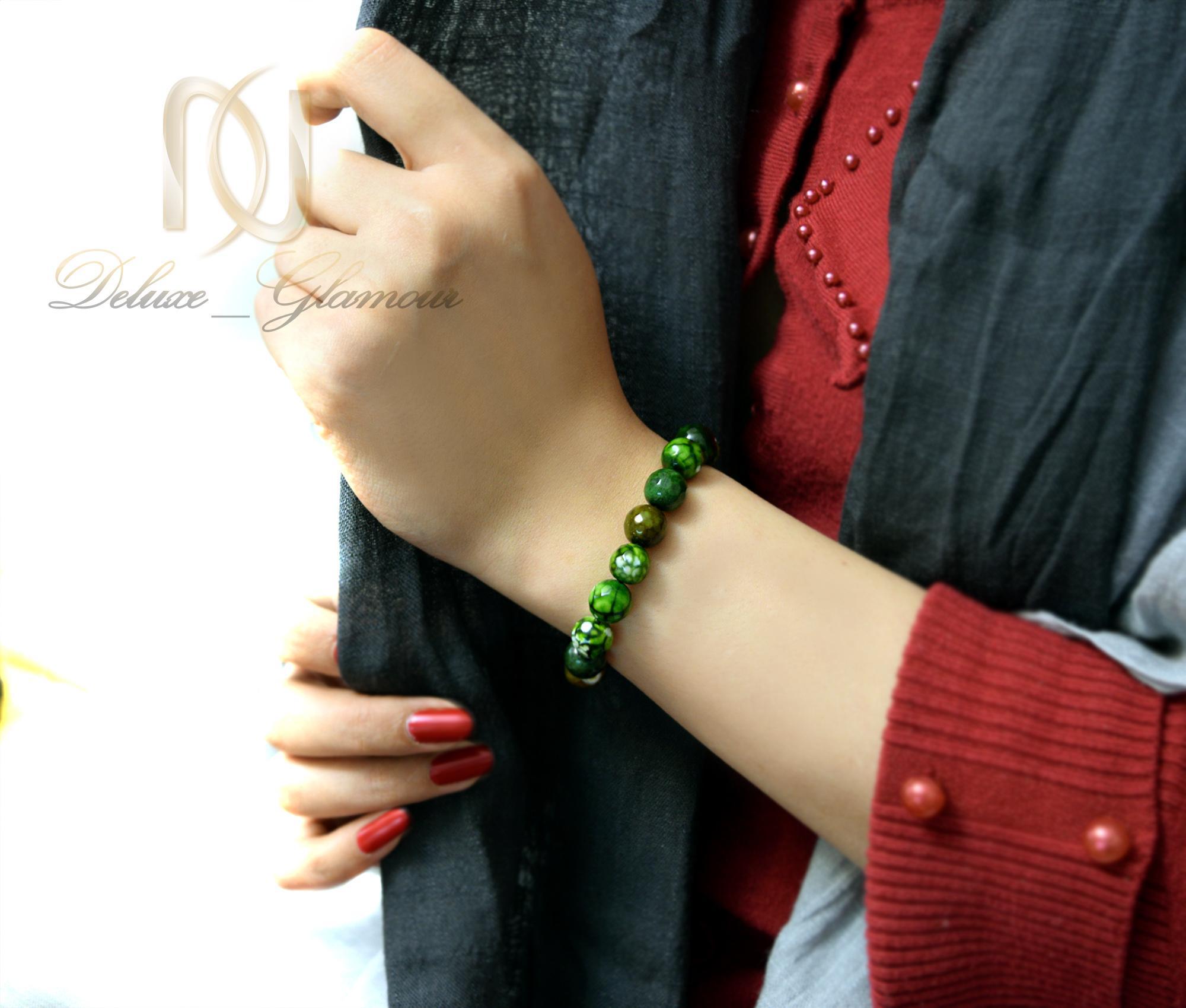 دستبند سنگی سبز عقیق دخترانه با قفل کراواتی ds-n012 - روی دست