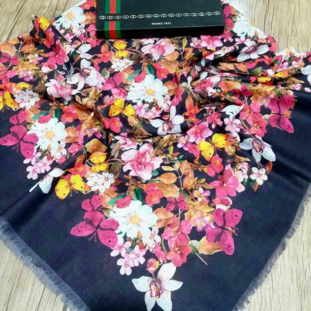 روسری نخی قواره بزرگ پاییزه sr-n 209 از نمای نزدیک