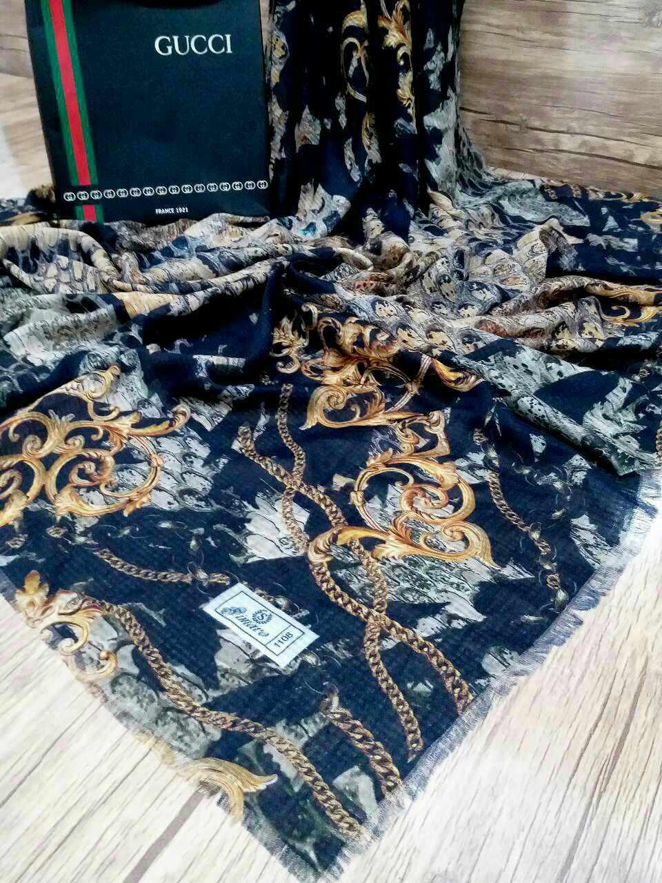 روسری نخی قواره بزرگ پاییزی sr-n 206 از نمای نزدیک