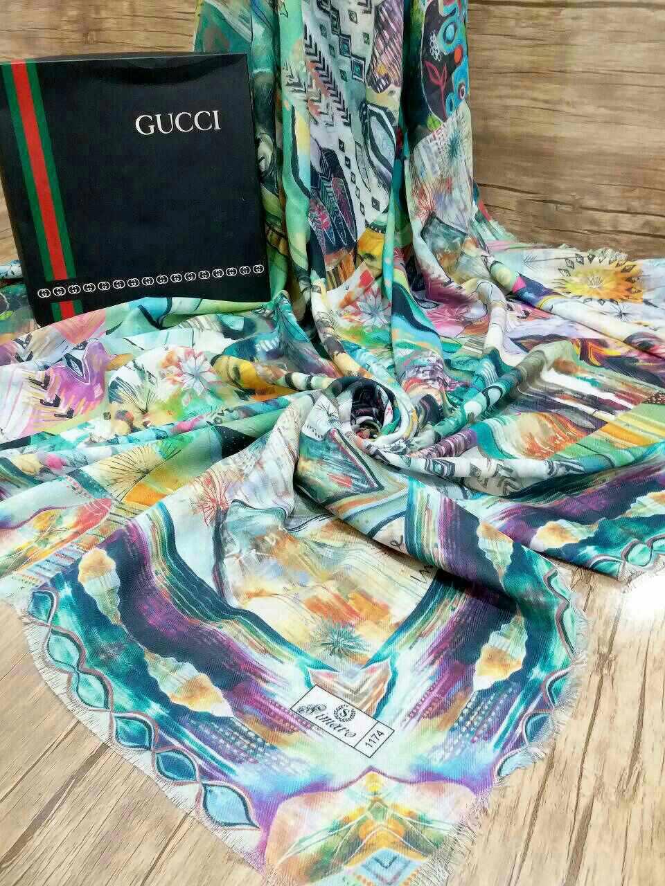 روسری نخی قواره بزرگ تک رنگ sr-n 201 از نمای نزدیک