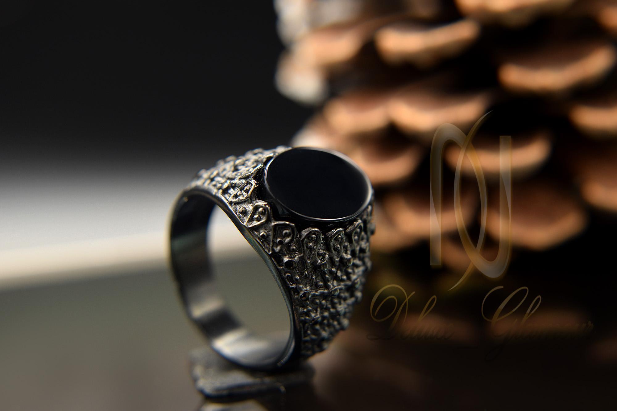 انگشتر مردانه خاص مشکی استیل rg-n282 از نمای دور