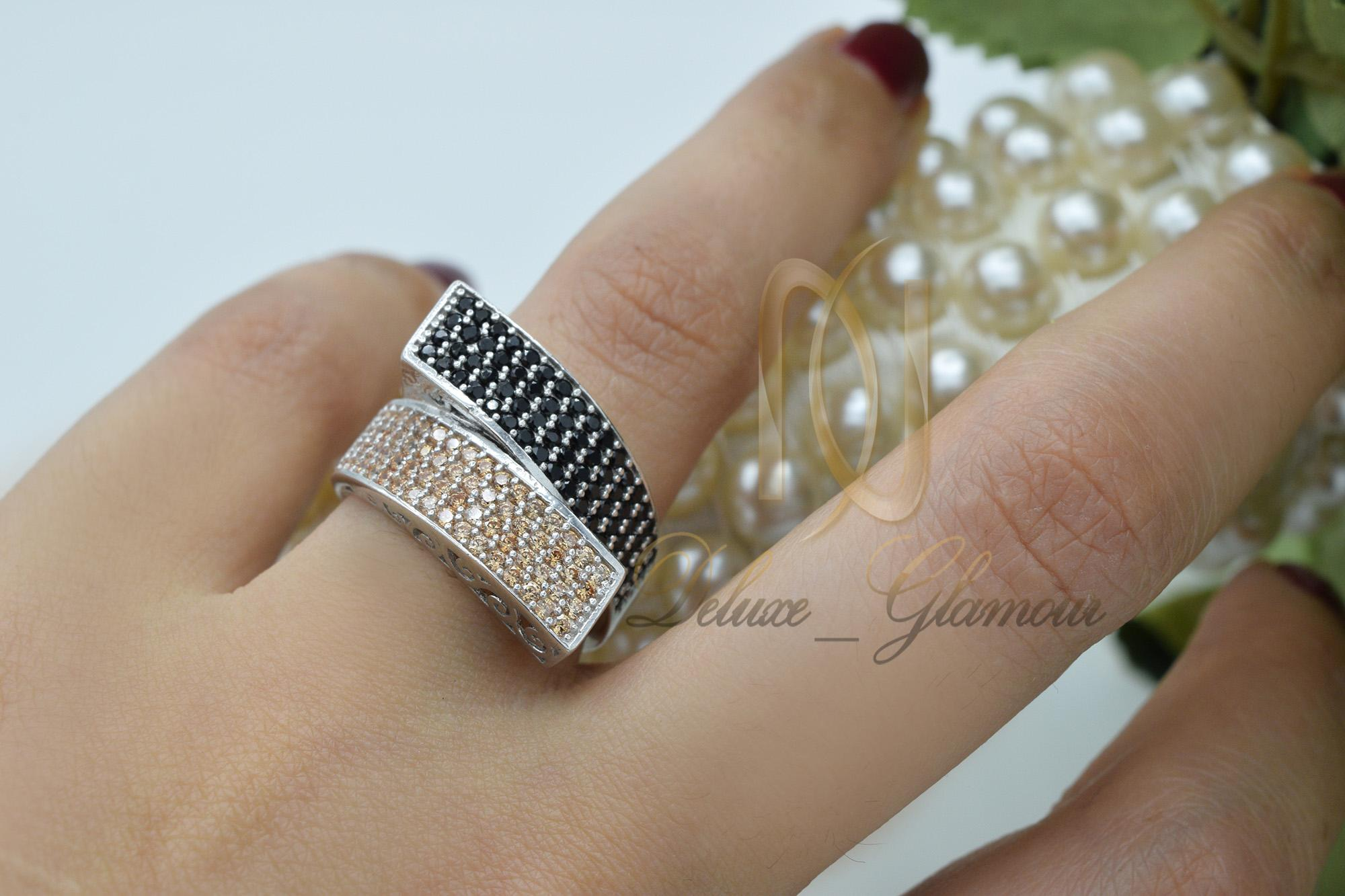 انگشتر نقره زنانه شیک نگین دار rg-n282