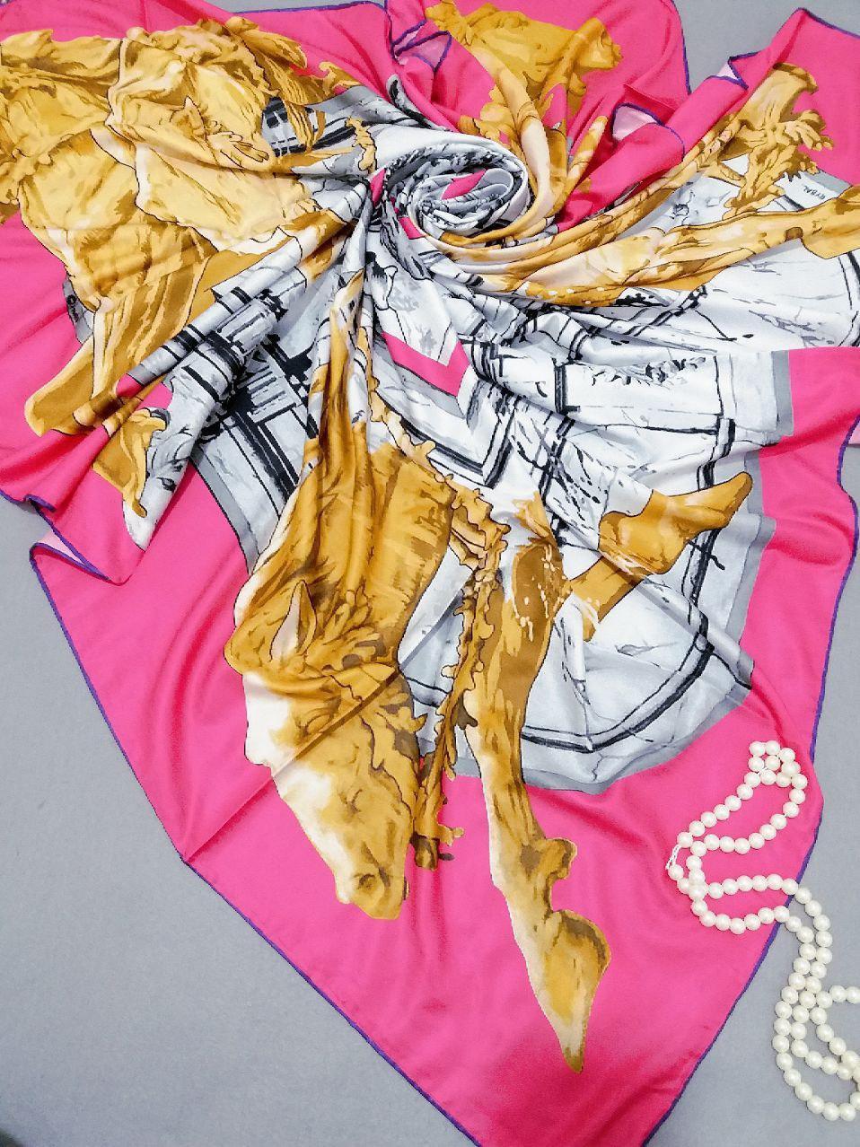 روسری ابریشم توییل کجراه دست دوزsr-n254 از نمای نزدیک