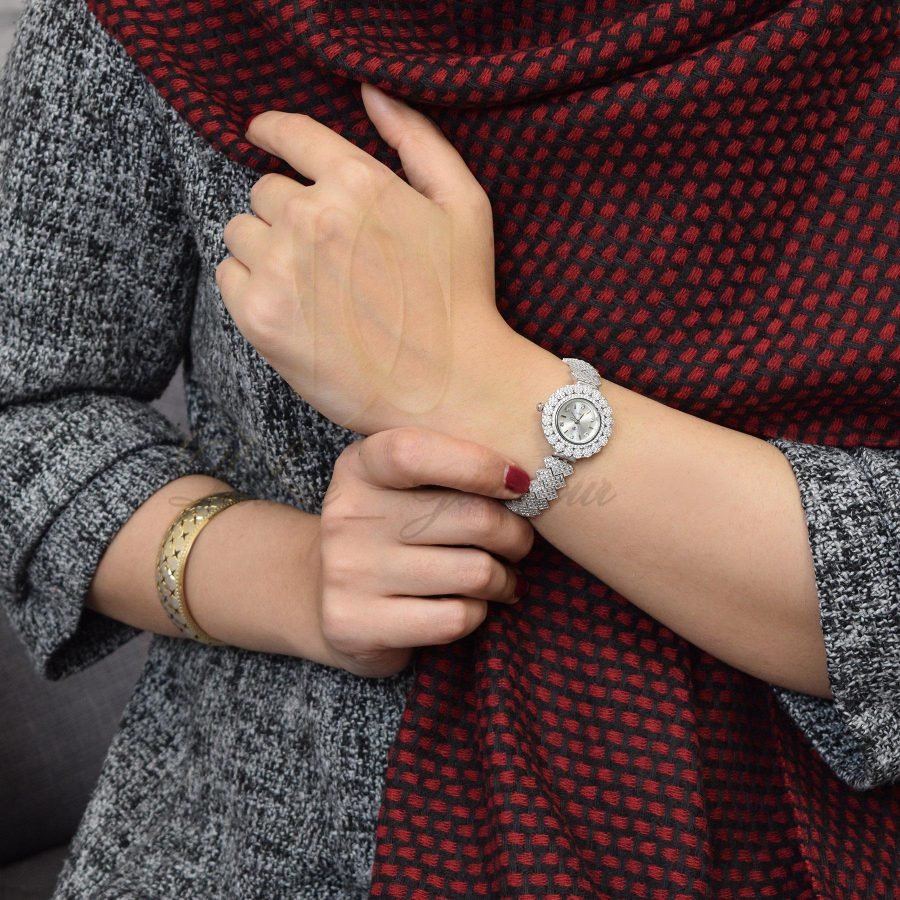 ساعت زنانه نقره اصل 925 جواهری wh-n126 از نمای روی دست