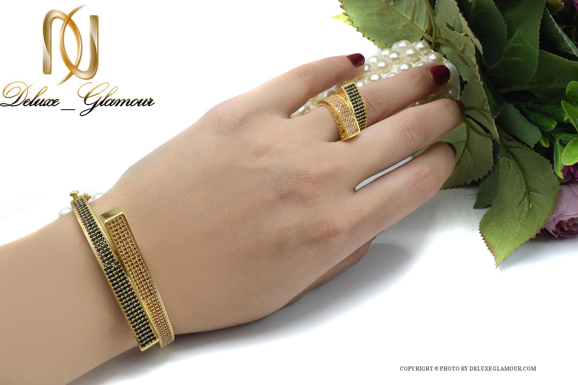 ست دستبند و انگشتر نقره زنانه طلایی ns-n410 از نمای روی دست