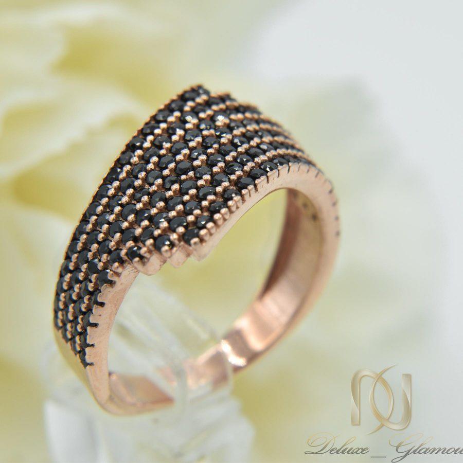 انگشتر نقره زنانه رزگلد نگین مشکی RG-N297 از نمای روبرو
