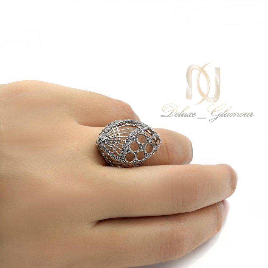 انگشتر نقره زنانه طرح طلای توری rg-n304 از نمای روی دست