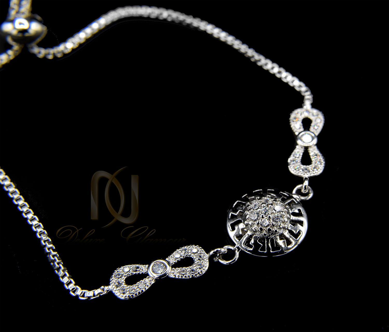 دستبند دخترانه استیل طرح بی نهایت نقره ای ds-n404 از نمای مشکی