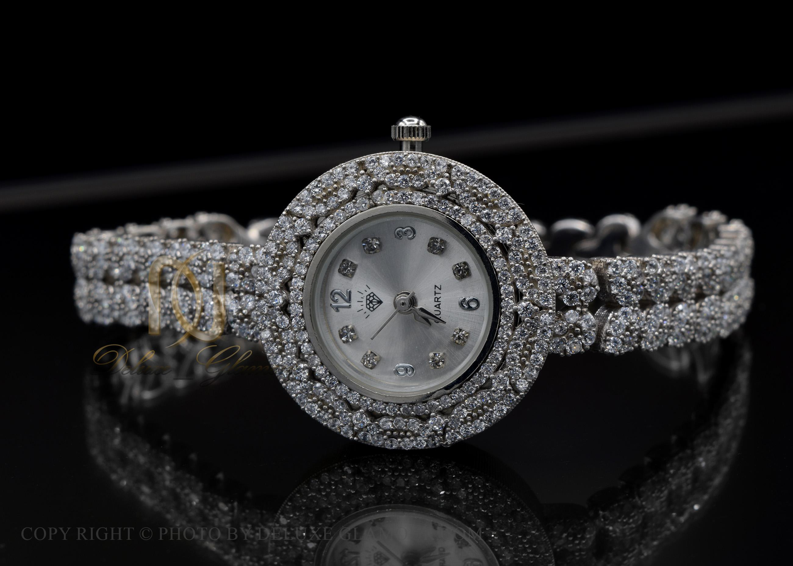 ساعت نقره زنانه جواهری صفحه گرد WH-N135 از نمای مشکی